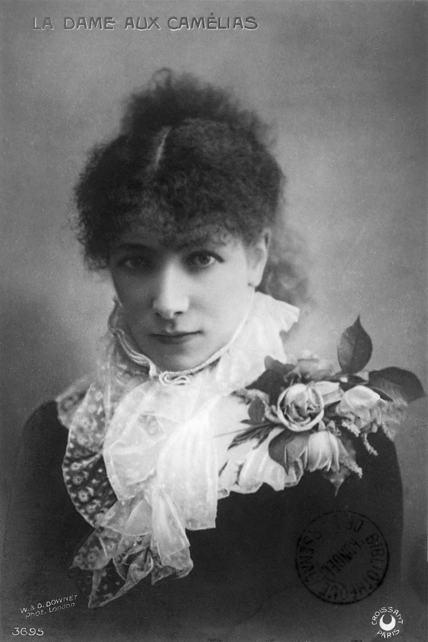 Carte Postale représentant Sarah Bernhardt.
