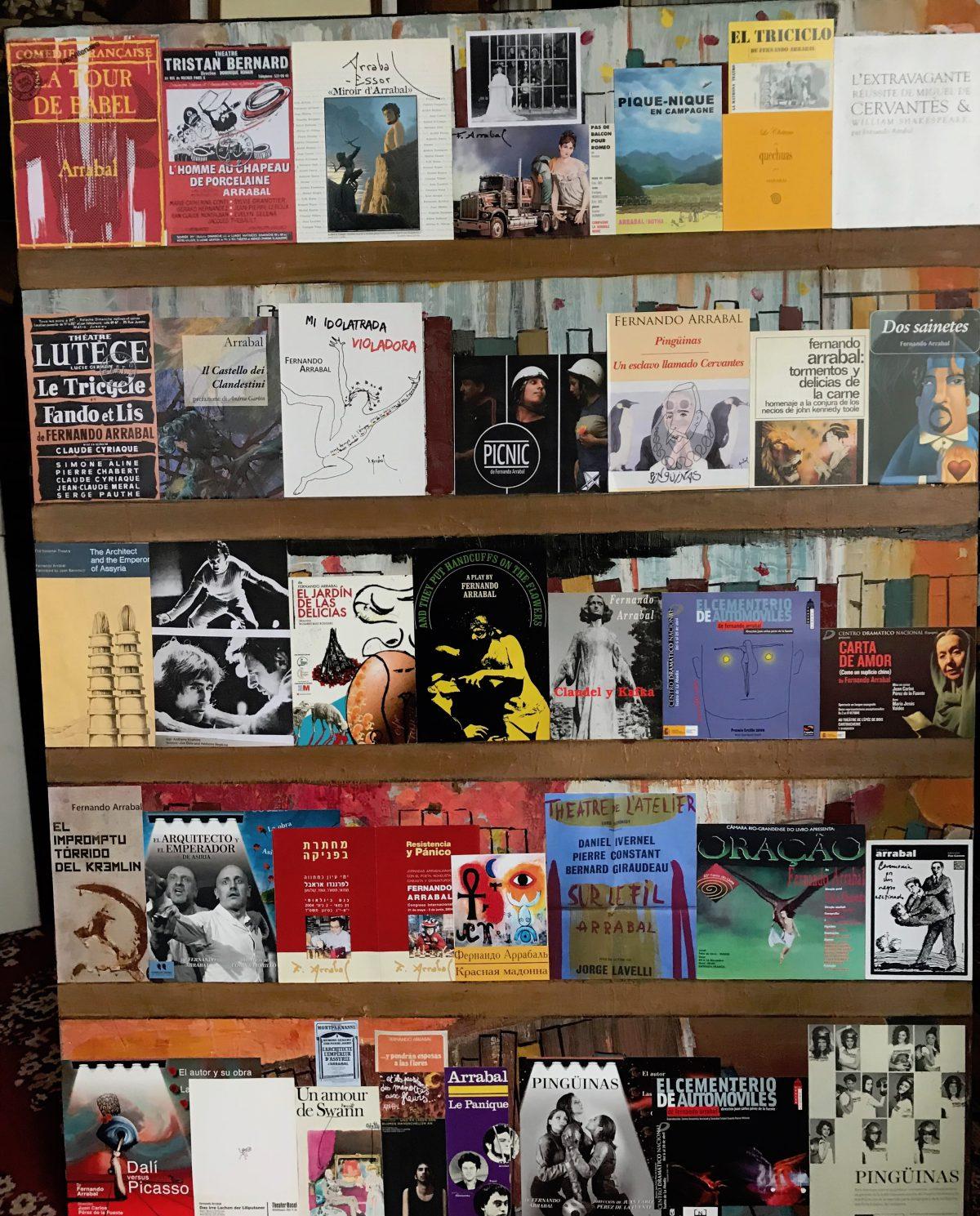Algunos de los carteles de teatro de estos últimos sesenta años. El primero en Madrid (pateado) : «Los hombres del triciclo» con la inolvidable Josefina Sánchez Pedreño.