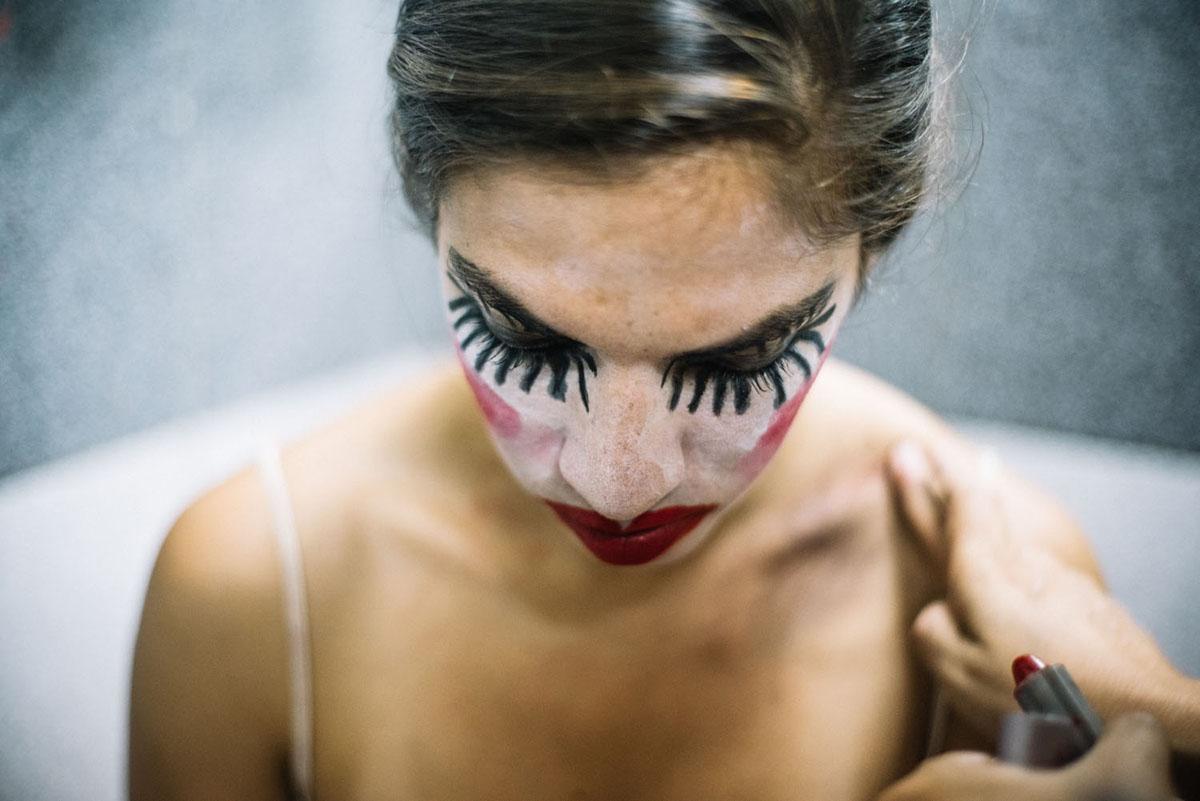 """Proposition scénique pour """"La marcheuse paralysée"""" de Natalia Palacios, présentée dans le festival Fictions Théâtrales en Construction (FITEC3) de l'Ecole Nationale Supérieure d'Art Dramatique du Pérou."""