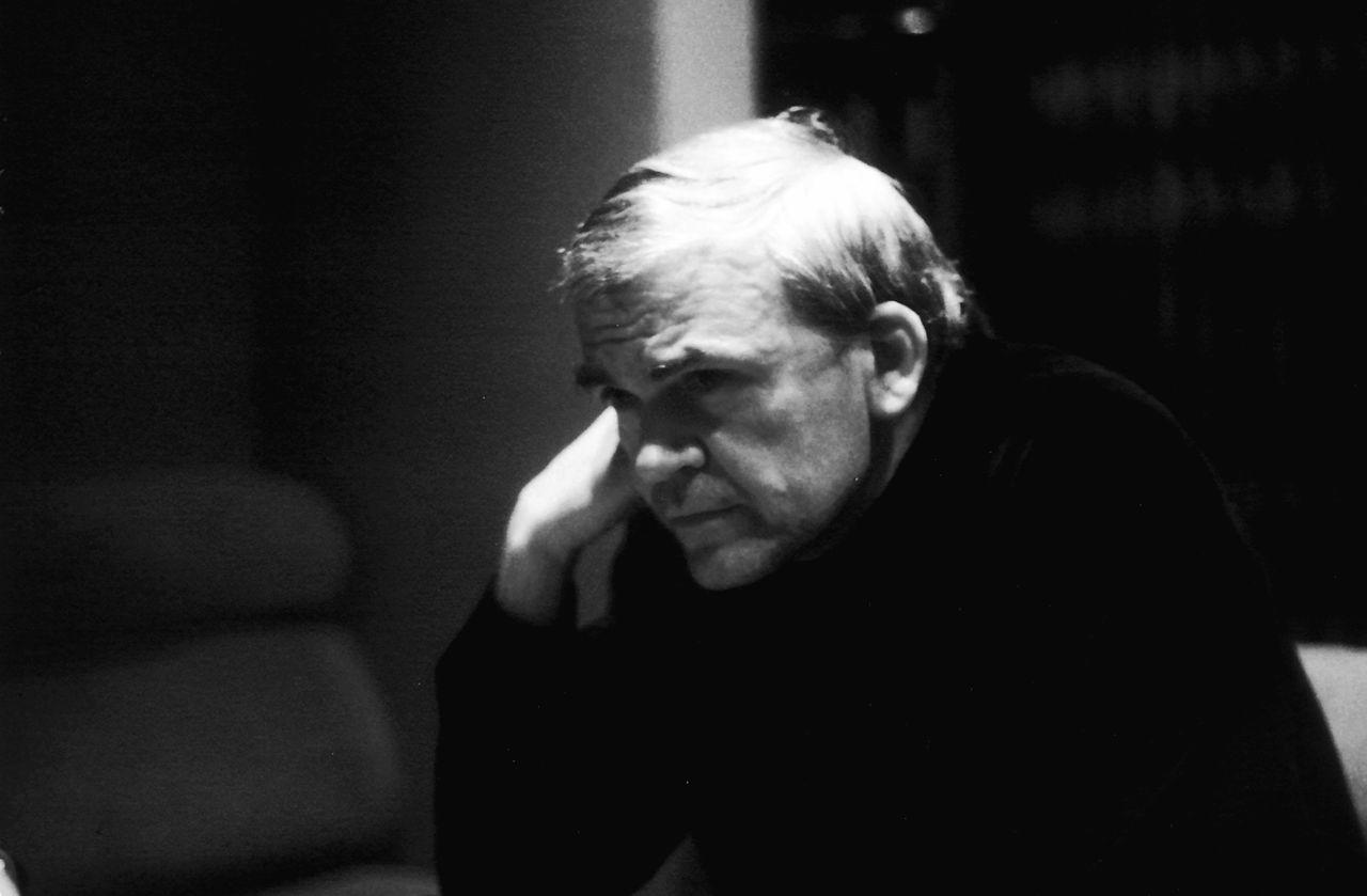 Portrait de l'écrivain Milan Kundera