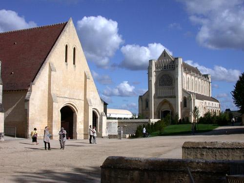 L'Abbaye d'Ardenne (12ème et 13ème siècles), actuellement siège de l'IMEC (Institut Mémoires de l'Edition contemporaine) à Saint-Germain-la-Blanche-Herbe