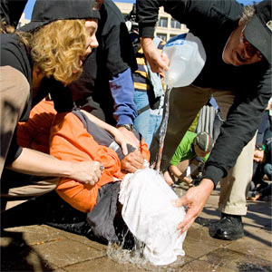 Démonstration de waterboarding 2