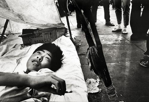 resting-student-tiananmen-square-beijing