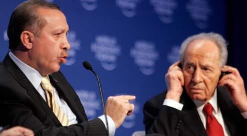 Tayyip Erdogan et Shimon Peres au sommet de Davos