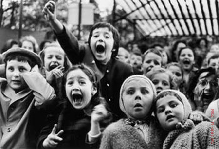 Children at a puppet theatr, Paris 1963.