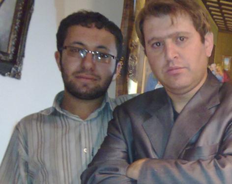 Sajjad, le fils de Sakineh et Houtan Kian, son avocat, dans le bureau de ce dernier.