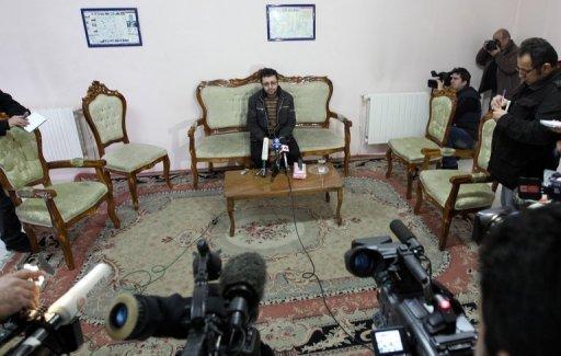 Le fils de Sakineh, Sajjad Qaderzadeh, pendant une interview le 1er janvier 2011 à Tabriz, au nord ouest de l'Iran. ©AFP / Atta Kenare