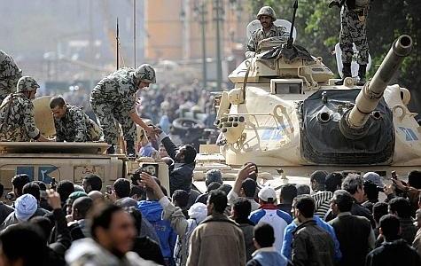 L'armée égyptienne du côté des manifestants