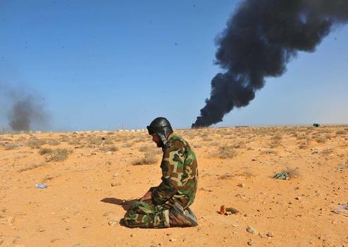 Retraite forcée d'un rebelle dans le désert