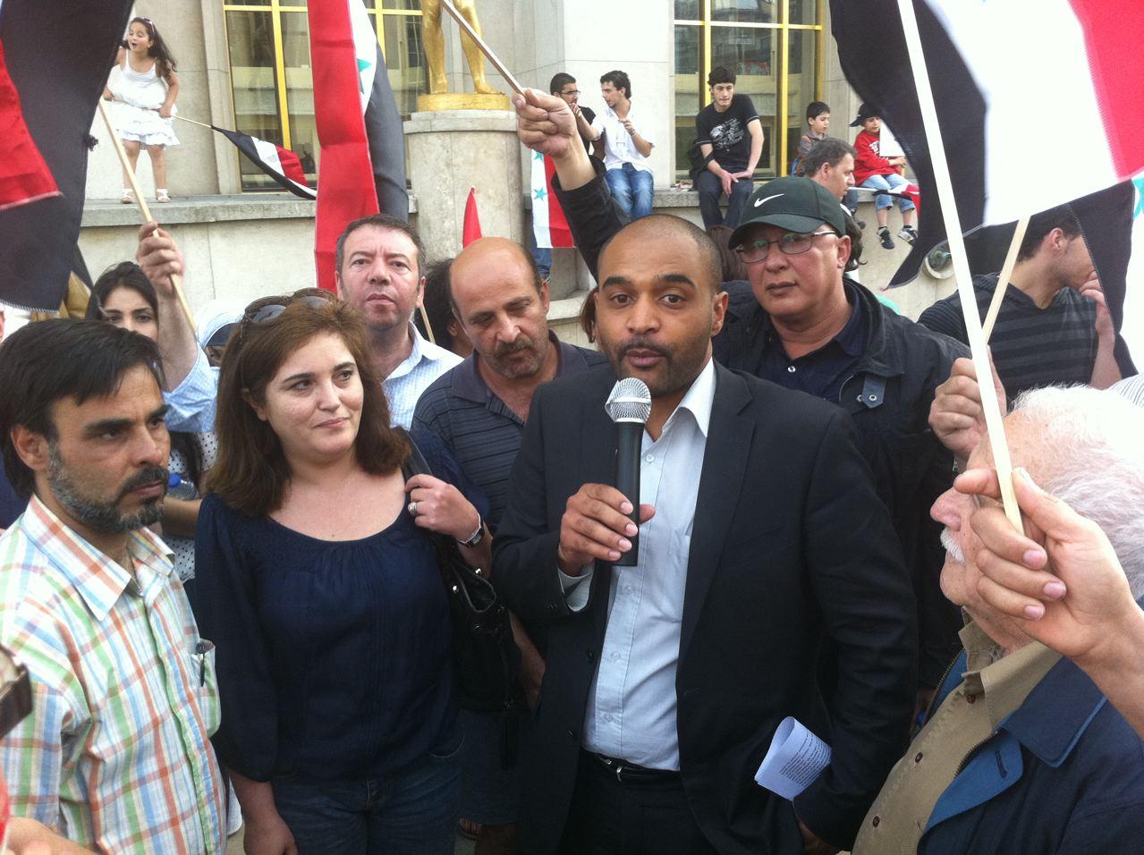 2011.05.21 Dominique Sopo, président de SOS Racisme, au rassemblement de soutien Syrie, parvis Droits de l'homme, Trocadéro, Paris