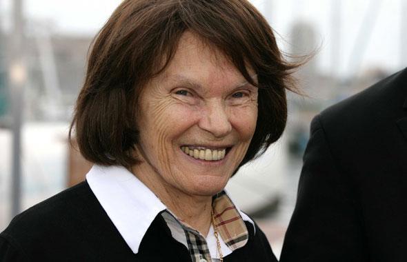 Danielle Mitterrand participe à une manifestation à Marseille, le 23 septembre 2010. P. POCHARD / SIPA