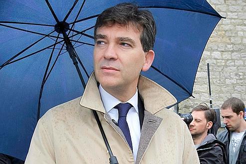 Arnaud Montebourg après avoir voté, le 9 octobre 2011, à Montret (Saône-et-Loire)