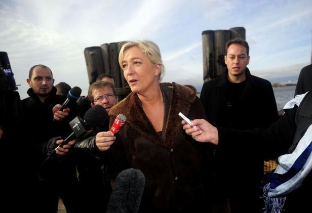 Marine Le Pen visite Battery Park, dans le sud de Manhattan à New York, le 4 novembre 2011 / Emmanuel Dunand AFP