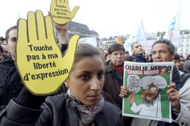 Rassemblement, le 6 novembre 2011 à Paris, en soutien au journal satirique Charlie Hebdo