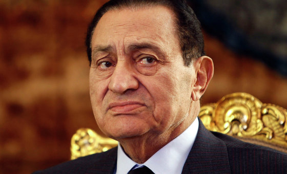 Suspendu pendant deux mois, le procès de l'ancien président égyptien chassé par la rue, a repris mercredi.
