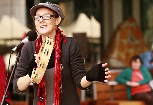 Donna Williams, artiste diagnostiquée autiste