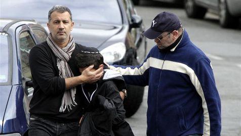 Un écolier après la fusillade de l'établissement scolaire Ozar Hatorah