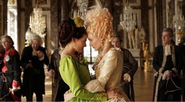 Madame de Polignac, interprétée par Virginie Ledoyen et Marie-Antoinette, Diane Kruger.