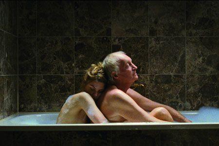 Marieke recherche son père disparu dans les bras d'hommes plus âgés.