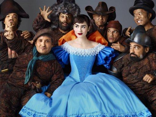"""Lily Collins dans """"Blanche Neige"""" de Tarsem Singh"""