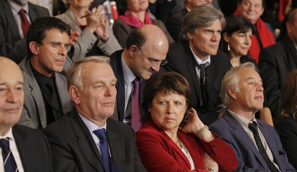 Au premier rang : Jean-Michel Baylet, Jean-Marc Ayrault, Martine Aubry et Francois Rebsamen. Derrière: Manuel Valls, Pierre Moscovici, Stéphane Le Foll.