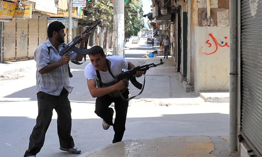 Les insurgés syriens combattent pour Alep