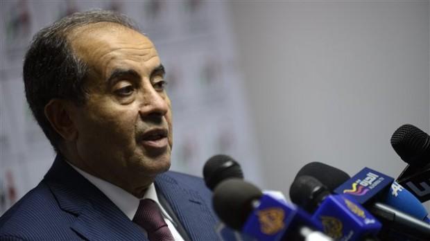 Mahmoud Djibril, Premier ministre du CNT pendant la guerre, est en tête des élections libyennes selon les premiers résultats partiels dévoilés lundi soir.Mahmoud Djibril, Premier ministre du CNT pendant la guerre, est en tête des élections libyennes selon les premiers résultats partiels dévoilés lundi soir.