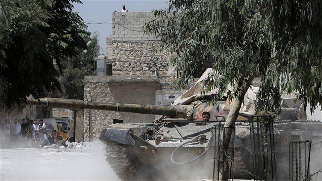 Les chars du régime sont entrés dans Salaheddine