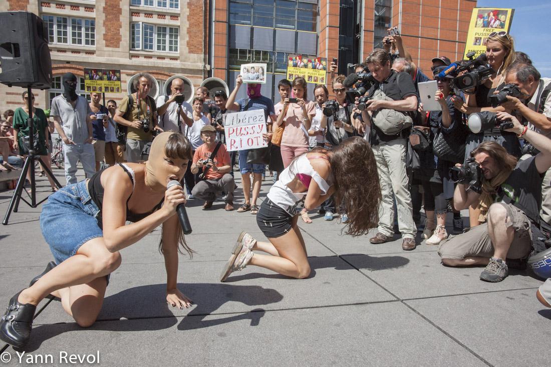 Manifestation_Pussy-Riot_Danse