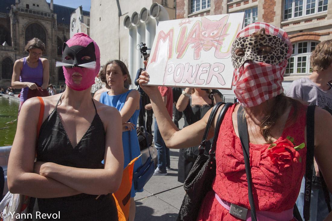 Manifestation_Pussy-Riot_Feministes