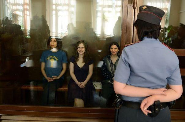 Les Pussy Riot encourent 7 ans de prison.