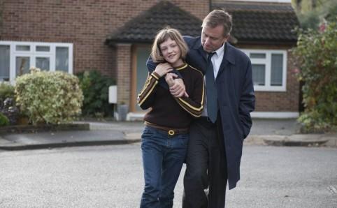 """La jeune Eloise Laurence se confronte à Tim Roth dans """"Broken"""" de Rufus Norris."""