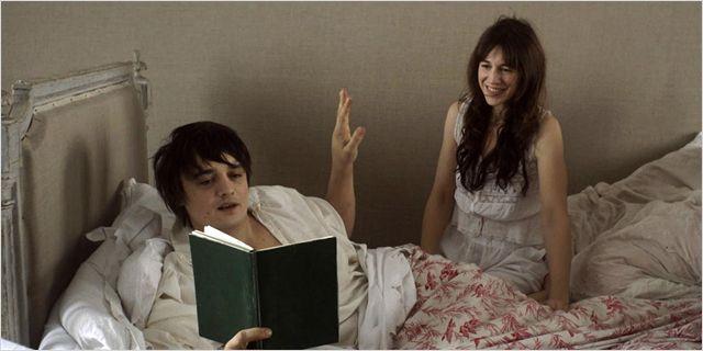 Peter Doherty et Charlotte Gainsbourg dans le film de Sylvie Verheyde.