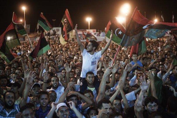 Les rebelles libyens fêtent la libération