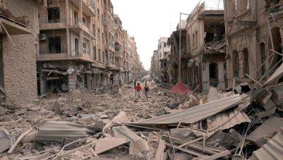 À Alep, comme dans d'autres villes, les combats laissent de vastes champs de ruines.