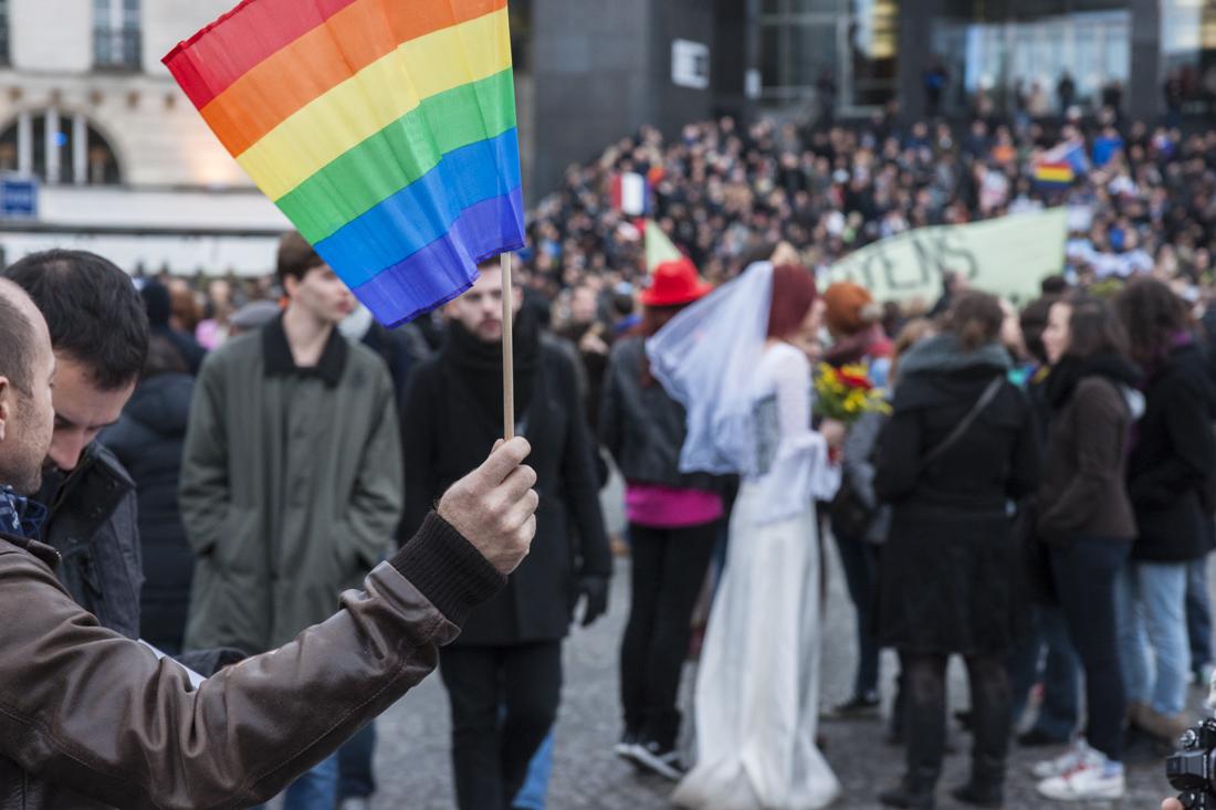 Les Parisiens ont manifesté nombreux hier, dimanche 16 décembre 2012, place de la Bastille. © Yann Revol