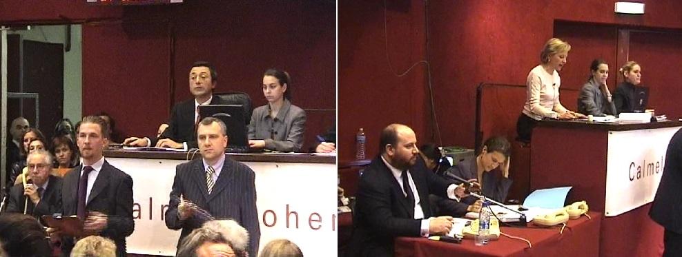 A gauche : Marcel Fleiss expert tableaux, Cyrille Cohen, au marteau. A droite : David Fleiss expert photos assisté de Eleonore Malingue, Laurence Calmels au marteau à la vente André Breton.