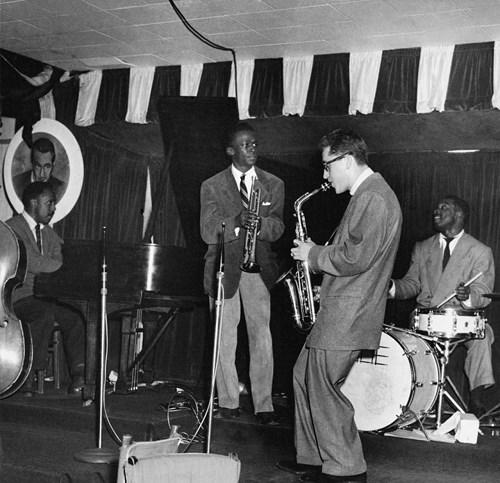 Bud Powel, Miles Davis, Lee Konitz et Art Blakey au Birdland