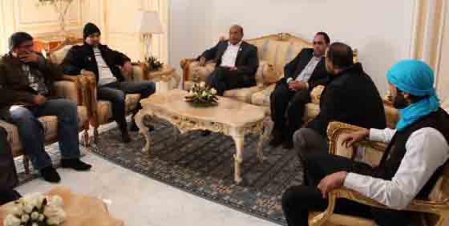Le président tunisien Moncef Marzouki reçoit les membres de la LPR dans sa résidence présidentielle à Carthage.