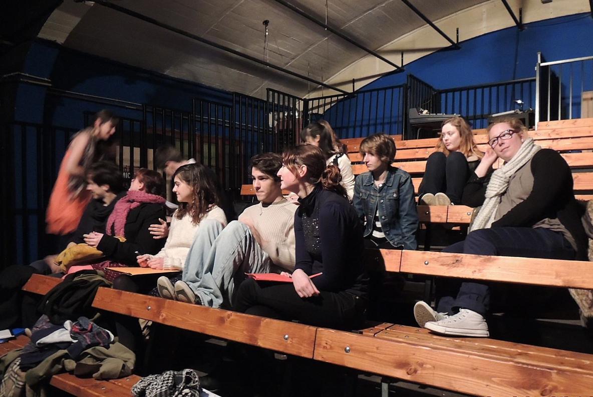Auteurs et acteurs de la pièce des élèves de l'Université de La Rochelle