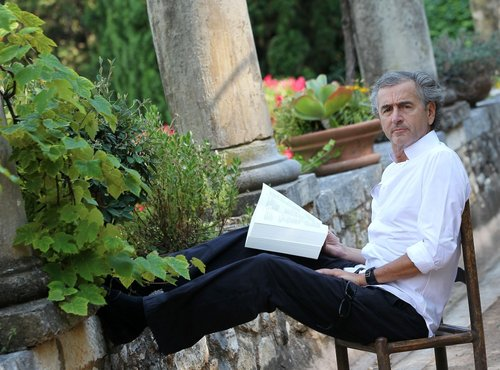 Bernard-Henri Lévy, à La Colombe d'or, à Saint-Paul-de-Vence. Photo : Patrice Lapoirie.