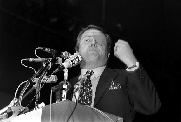Le président du Front National Jean-Marie Le Pen, le 03 février 1973 à Paris, lors de la campagne électorale pour les élections législatives.