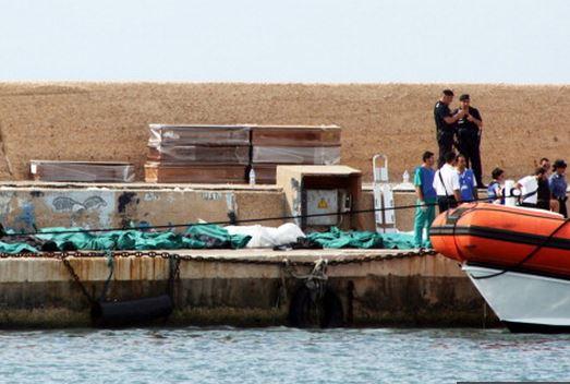 Le bateau de pêche qui s'est échoué près de l'île de Lampedusa transportait environ 500 migrants originaires de l'Erythrée et de Somalie.