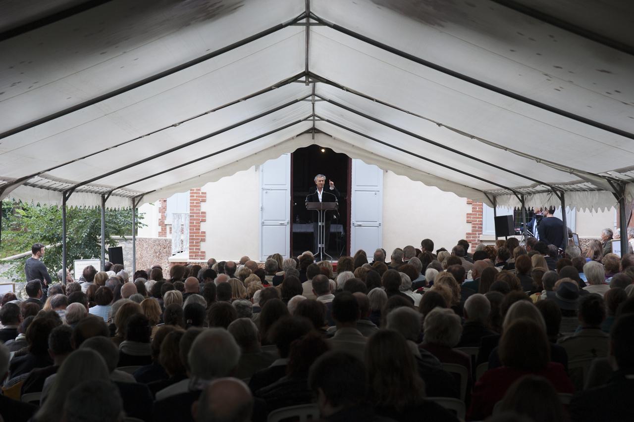 Bernard-Henri Lévy à la maison Zola © Yann Revol