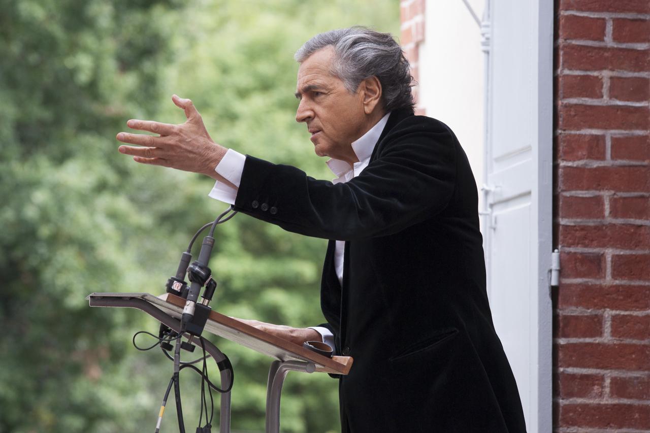 Discours de Bernard-Henri Lévy - pèlerinage littéraire à la maison Zola - discours de Médan - 6 octobre 2013 - Photo Yann Revol