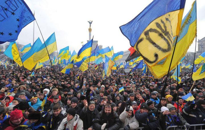 Manifestation sur la place de l'indépendance, à Kiev, dimanche 15 décembre 2013