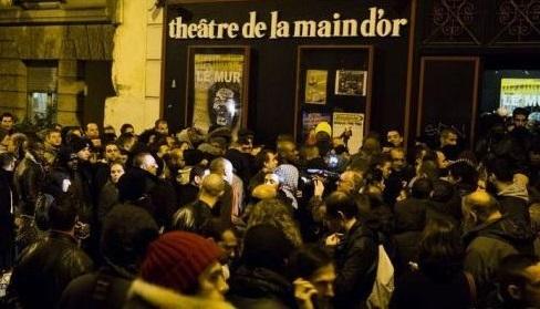Le théâtre de la Main d'Or, dans le 11e arrondissement de Paris, avant un spectacle de Dieudonné le 28 décembre 2013.