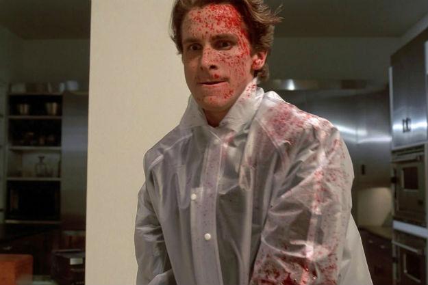 Patrick Bateman, interprété par Christian Bale, dans l'adaptation cinématographique d'American Psycho, en 2000.