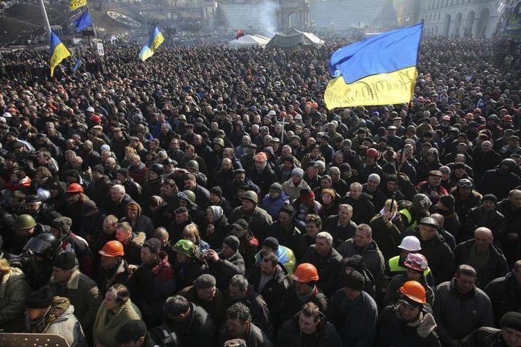 Les manifestants sur la place du Maidan, à Kiev.