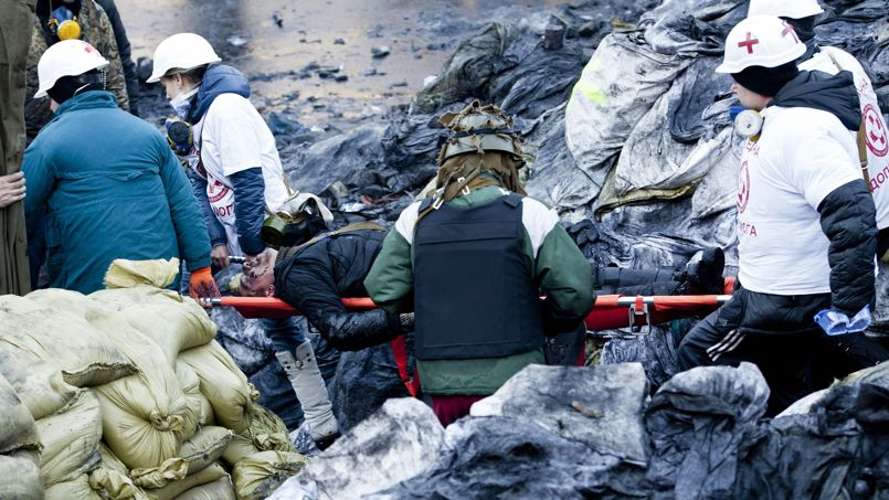 Les affrontements sur la place du Maidan à Kiev ont fait une dizaine de mort et plus de 150 blessés hier, mardi 18 février 2014.